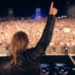 -424 David Guetta with Crowd